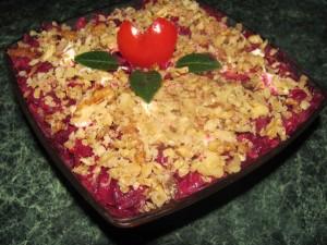 Слоеный свекольный салат